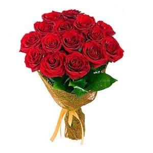 10-Red-Roses-Bunch