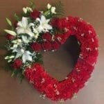 heart-shaped-carnation-wreath