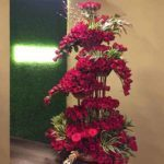 500 red roses tower